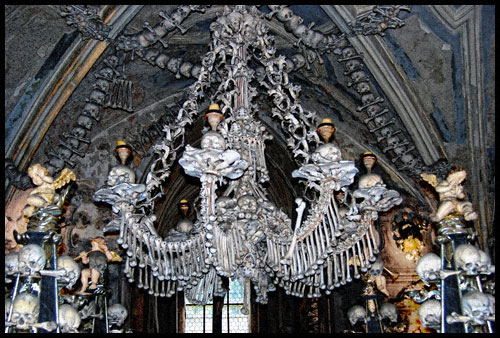 To be or not to be - Kutna Hora Ossuary