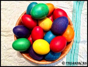 Paste Fericit - Happy Easter - Oua rosii