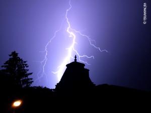 Fulger - Lightning - Furtuna Bucuresti